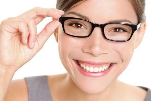 Zahnzusatzversicherung: Ein strahlendes Lächeln - gut versichert